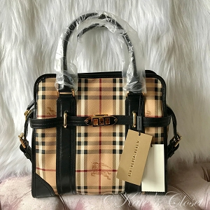 NEW BURBERRY Haymarket Portrait Minford Beige and Black Leather Tote