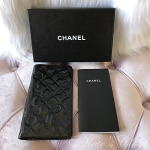 CHANEL Enamel Notebook/Checkbook Cover